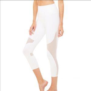 ALO YOGA Cropped White Capri Mesh Leggings